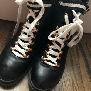 Steve Madden tie/zip boots